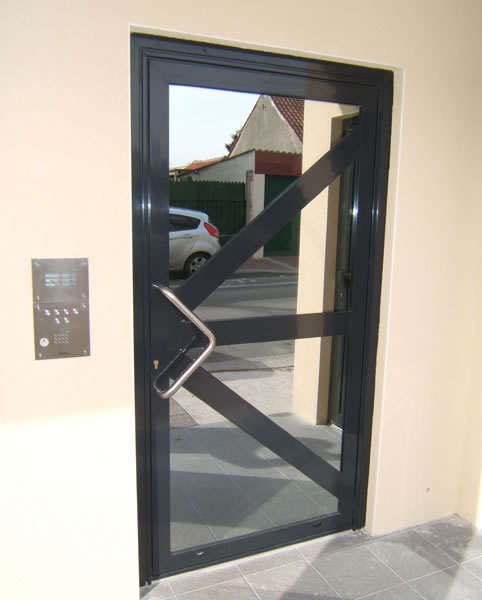 Porte d 39 entr e sur mesure alumnium ad menuiserie calais - Porte d entree alu vitree ...